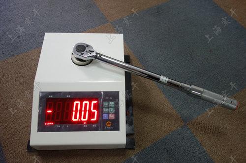 便携式手摇式数显扭力扳手检定仪图片
